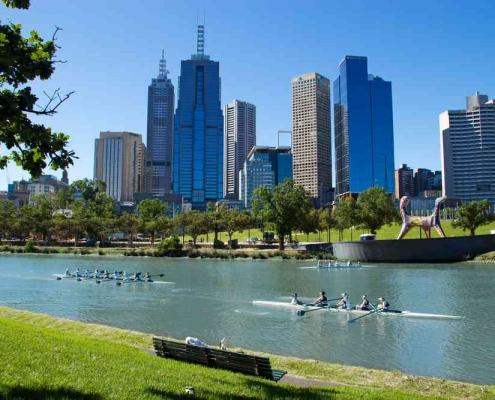 Melbourne yarra river bank