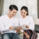 couple happy with low mortgage rates