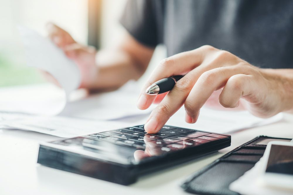 calculating mortgage repayments and interest costs