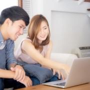 couple discussing on SORA vs SIBOR mortgage peg